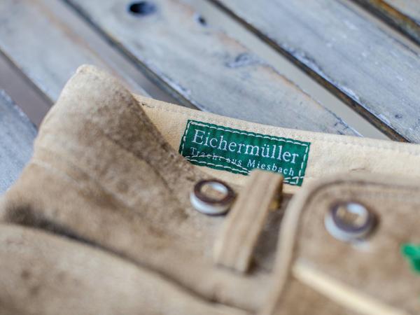 trachten-eichermueller-tracht-aus-miesbach-unsere-geschichte-produktion-manufaktur-02