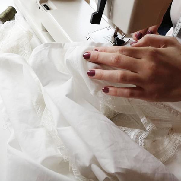trachten-eichermueller-tracht-aus-miesbach-unsere-geschichte-produktion-manufaktur-naeharbeiten